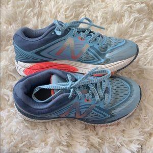 Kids size 1 new balance sneakers